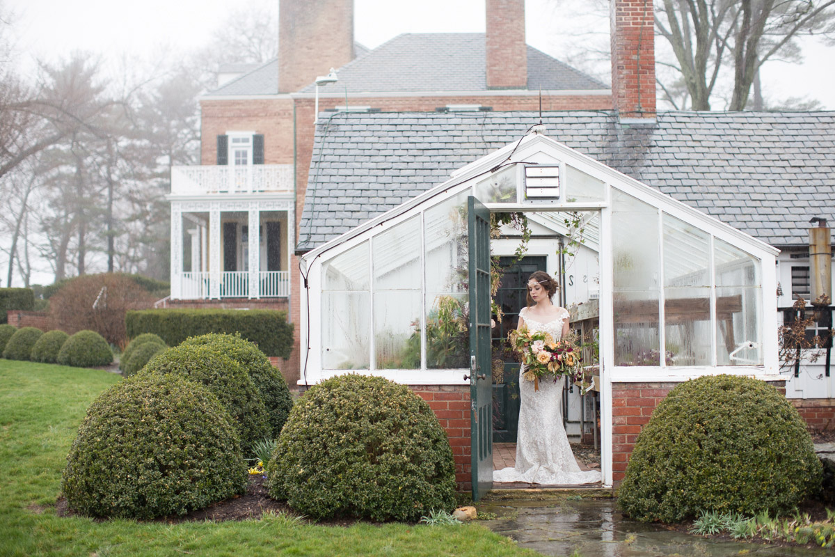 Rainy day bridal portraits