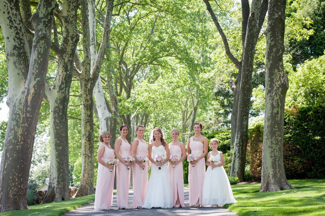 bride-bridesmaids-drumore-estate-lane-1100×732