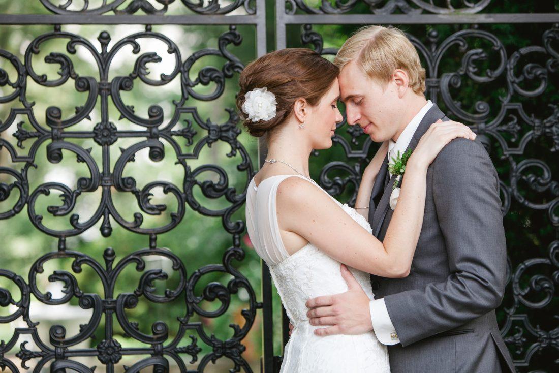 bride-groom-cast-iron-gate-1100×734