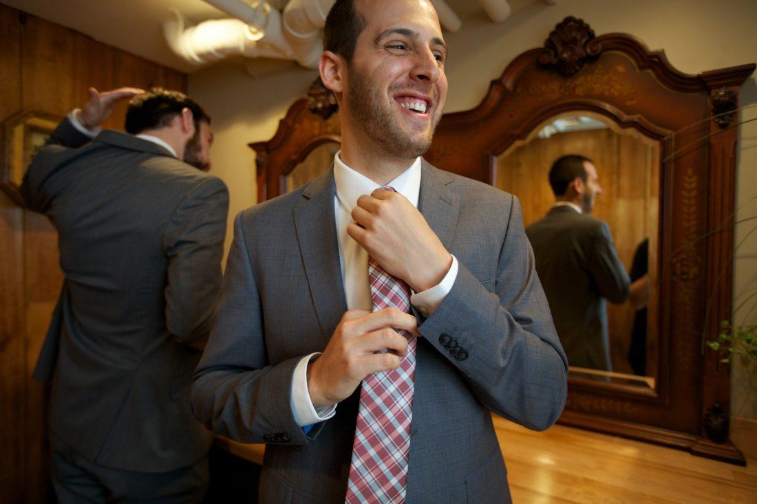 groom-getting-ready-1100×733