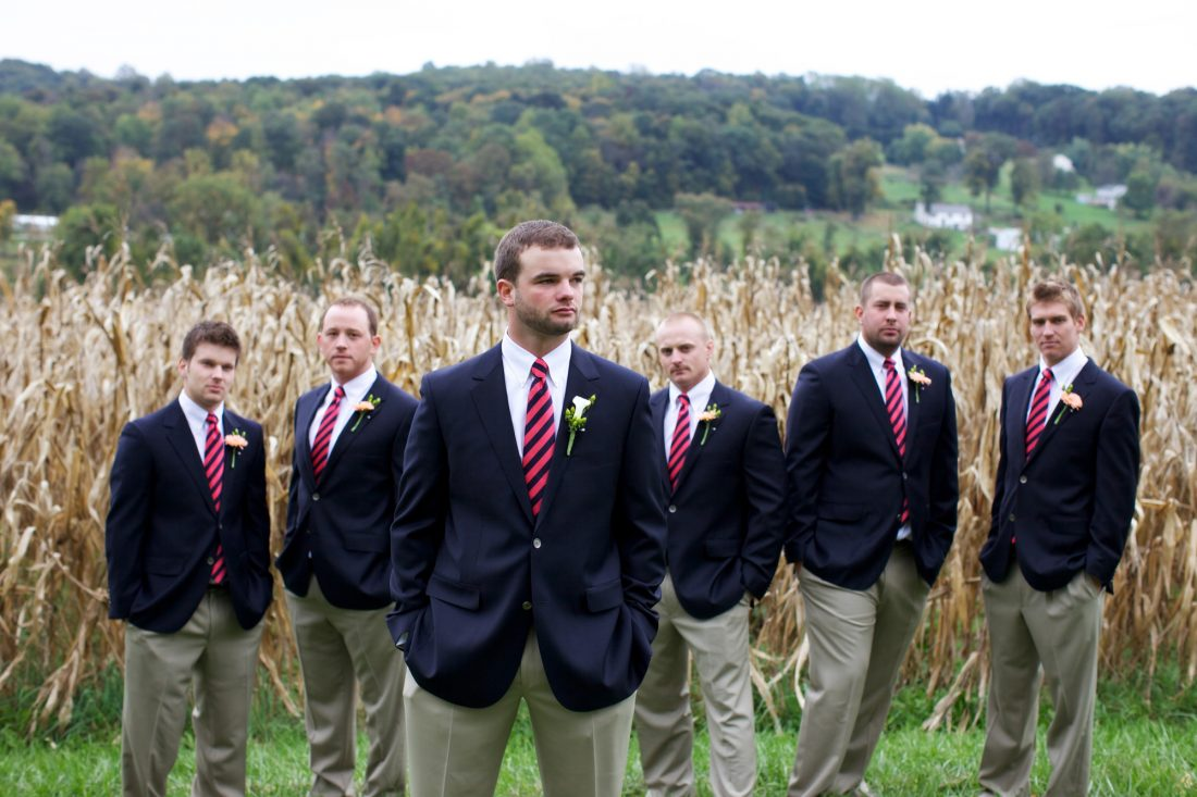 groom-groomsmen-cornfield-drumore-estate-1100×733